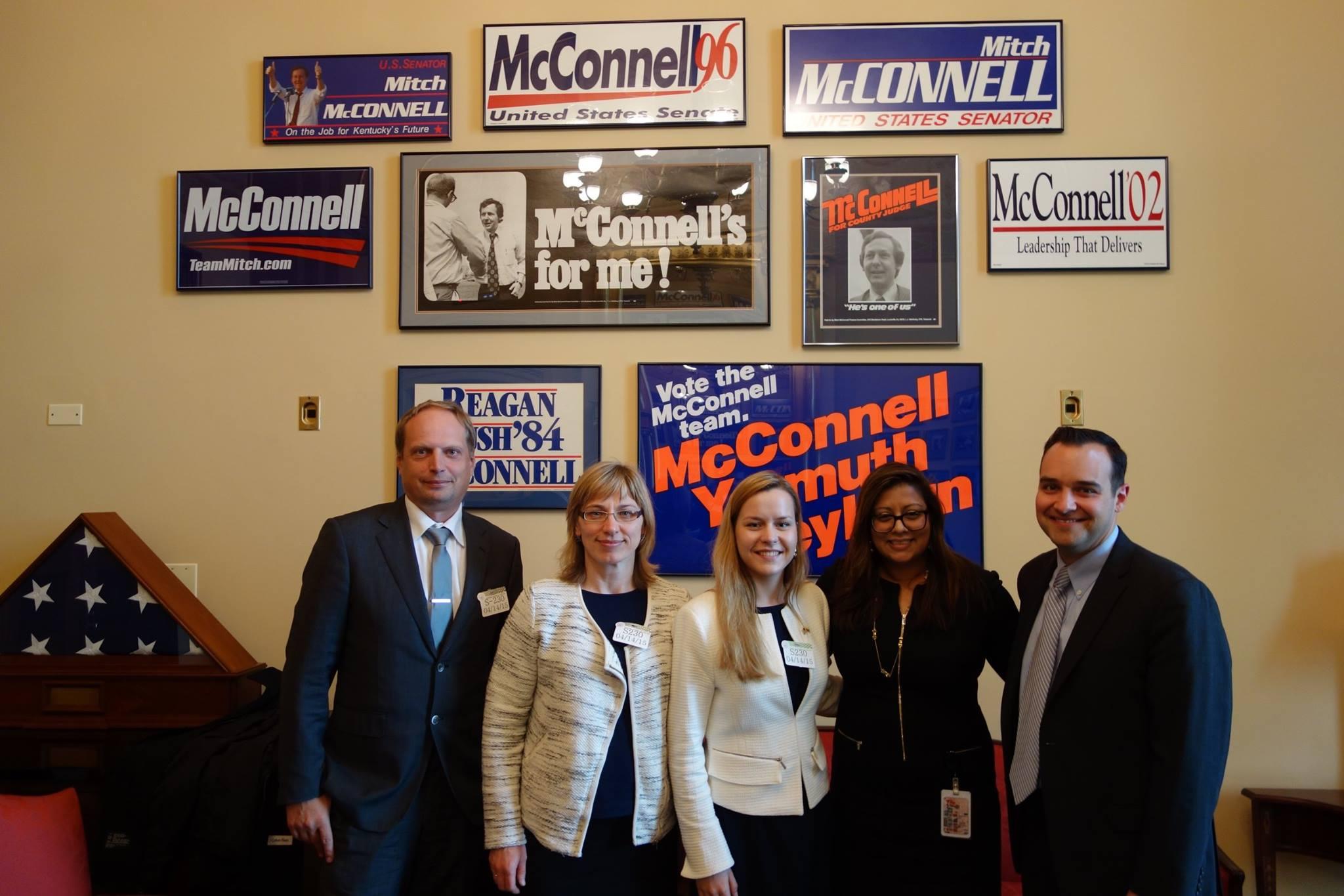 20150414-Senatas-MMcConnel-komanda